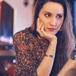 Vorwurfsvoller Blick von Frau gegenüber Mann als Beziehungskiller